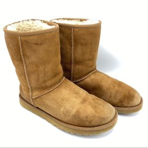 Ugg Genuine Shearling Lined Classic Short Boots